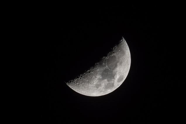 moon-3176159_960_720