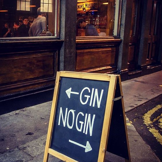 There are some difficult decisions to be made on our Twilight Soho Food and Cocktail Tour.